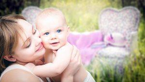 madre-bebe-abrazados